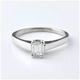 10 Delightful White Gold Engagement Rings